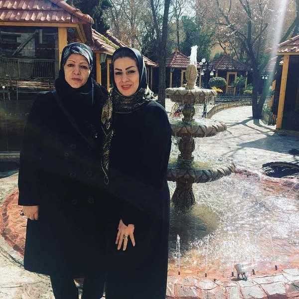 عکس بهاره پاکدل خواهر سمانه پاکدل و مادرش