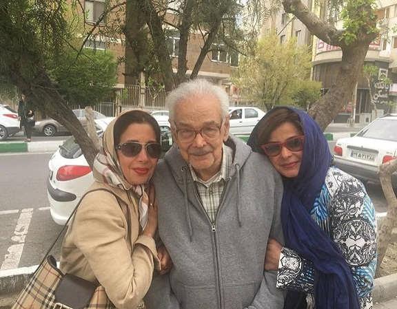 عکس سیما تیرانداز در کنار پدر و خواهرش