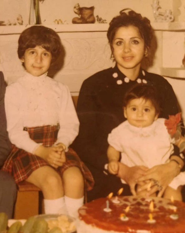 عکس سیما تیرانداز و مادرش و خواهرش