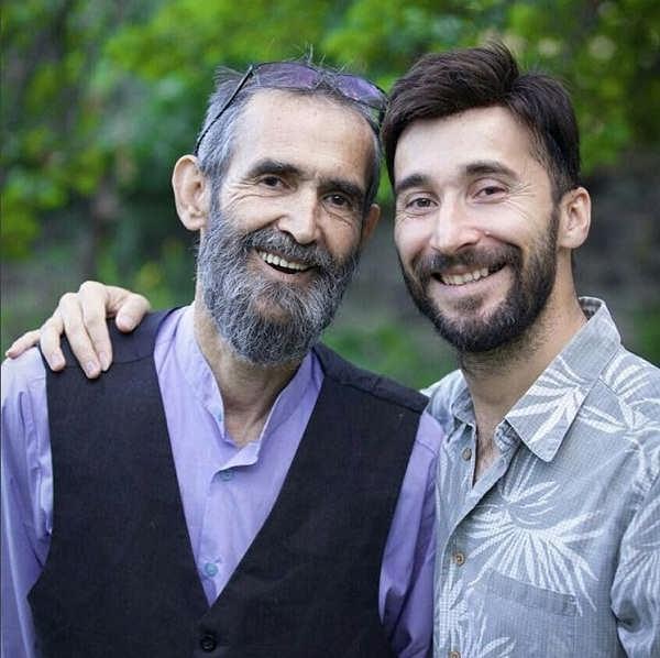 عکس های حامد کاظمی خواننده گروه دکور و پدرش