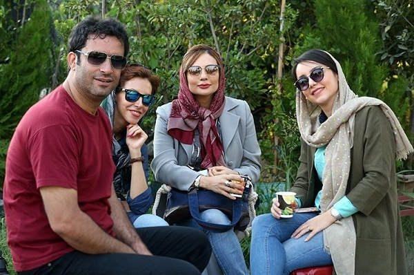 عکس یکتا ناصر و همسرش منوچهر هادی در پشت صحنه آینه بغل