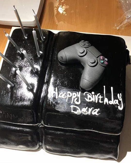 عکس کیک تولد دارا حیایی