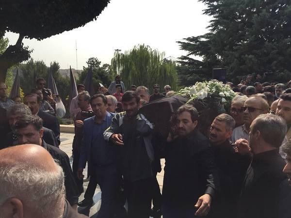 تشییع جنازه مرحوم بهرام شفیع مجری