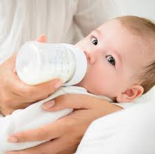 علت کم بودن شیر مادر چیست؟