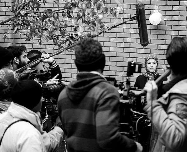 عکس بازیگر نقش عاطفه در حوالی پاییز