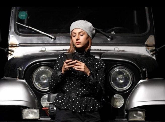 عکس جوانه دلشاد بازیگر نقش عاطفه در سریال حوالی پاییز
