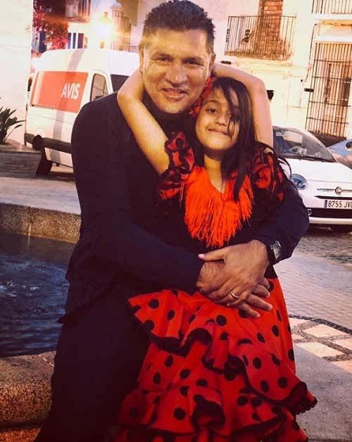عکس علی دایی و همسرش در گالری نور