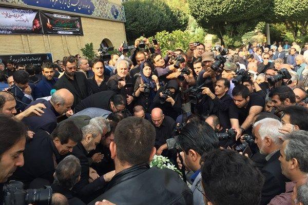 عکس مراسم خاکسپاری بهرام شفیع