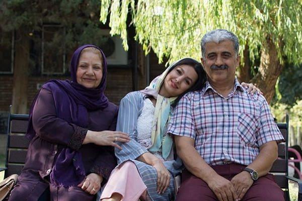 عکس های جوانه دلشاد و پدر و مادرش
