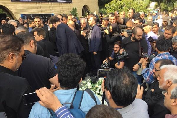 مراسم وداع با بهرام شفیع در مسجد بلال
