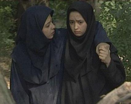 الهام جوادی و آزاده طادی بازیگران سریال به رنگ صدف