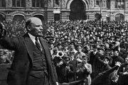 روس ها در چه ماهی انقلاب اکتبر را جشن میگیرند؟