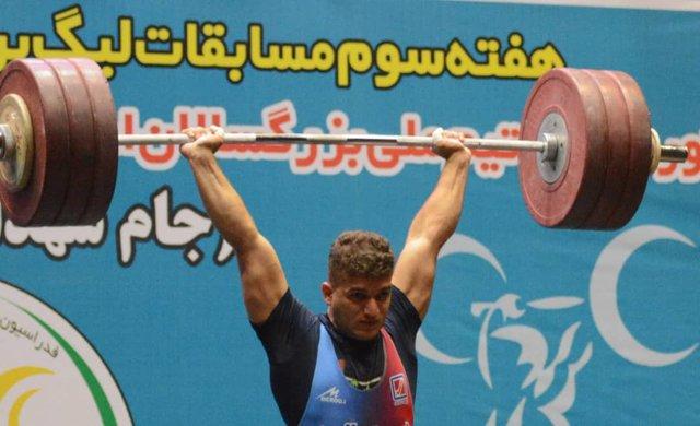 عارف خاکی وزنه بردار ۸۹ کیلوگرم