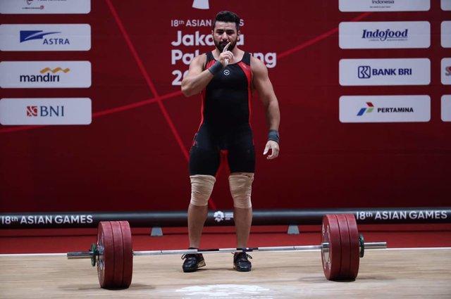 علی هاشمی وزنه بردار ۱۰۵ کیلوگرم