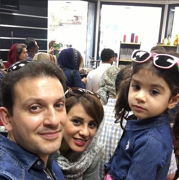 عکس پیمان اسدیان و همسرش در کنار دخترشان