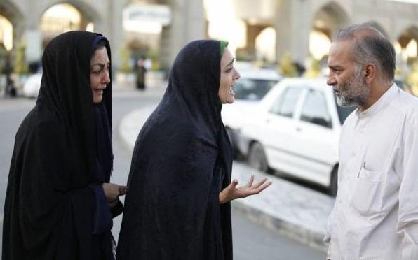 حمیدرضا آذرنگ میترا حجار و شقایق فراهانی در فیلم دعوتنامه