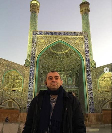 دکتر مهدی زارع در میدان نقش جهان اصفهان