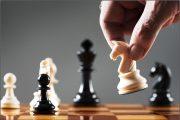 در شطرنج سرعتی هر بازیکن برای همه حرکات خود در یک بازی چند دقیقه وقت دارد؟