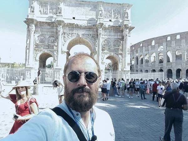 عکس سیاوش مفیدی در شهر رم ایتالیا