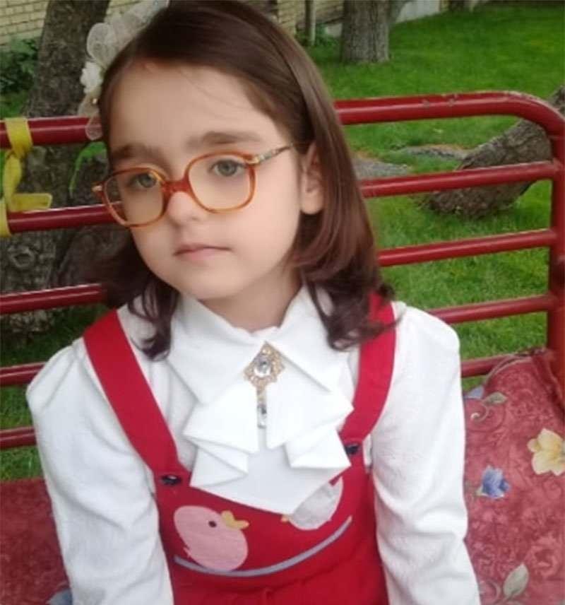 بازیگر نقش مژگان در فصل اول بچه مهندس