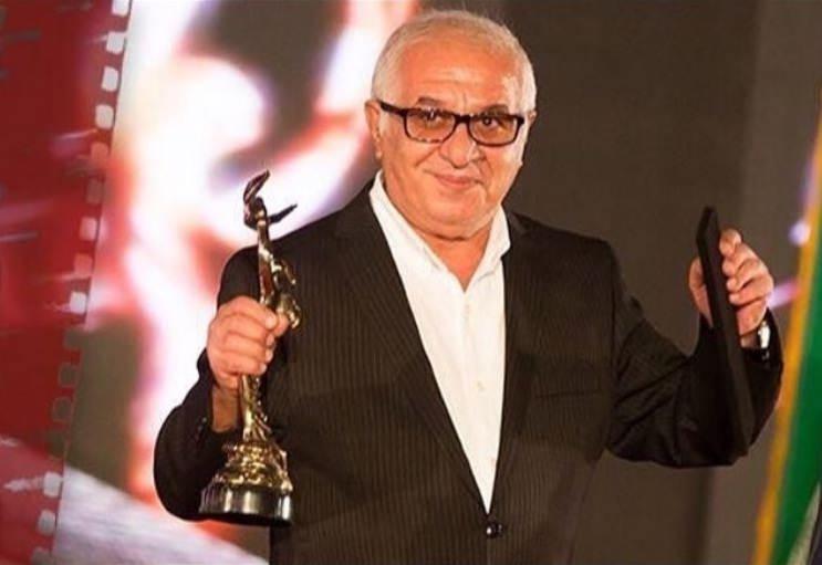 در فیلم فروشنده در نوزدهمین جشن خانه سینما برنده تندیس زرین بهترین بازیگر نقش مکمل مرد شد