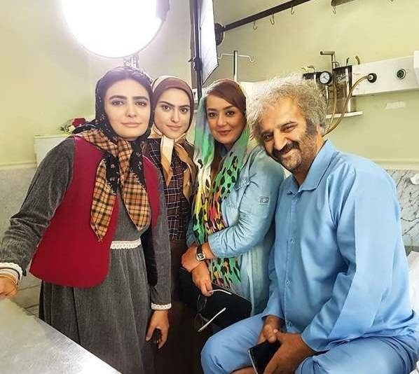 علیرضا استادی و بهاره حسینی و مهناز خوشخو و لیندا کیانی در پشت صحنه سریال دلدادگان