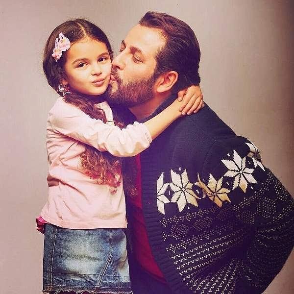 عکس امیررضا دلاوری و دخترش
