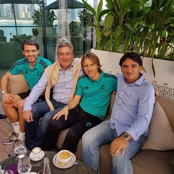 عکس برانکو ایوانکوویچ در کنار لوکا مودریچ و زلاتکودالیچ سرمربی کرواسی