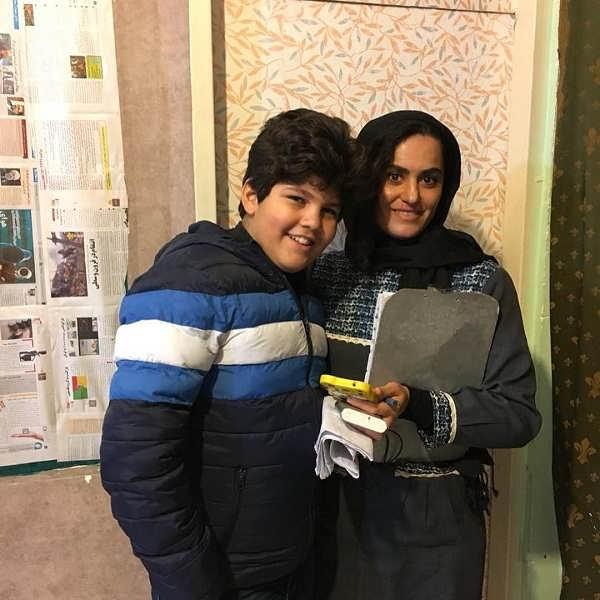 عکس بنیامین محمدیان بازیگر نقش رسول در پشت صحنه بچه مهندس