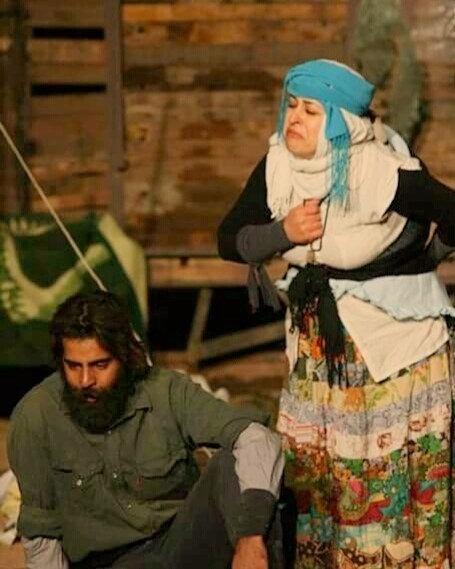 عکس سلمان فرخنده و همسرش میترا مومنی در صحنه ی تاتر