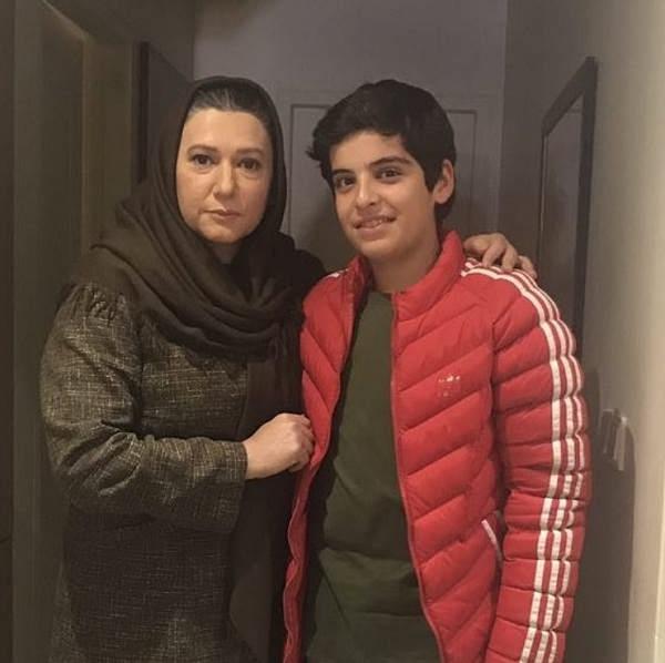 عکس مانی رحمانی در کنار بانو فریبا متخصص