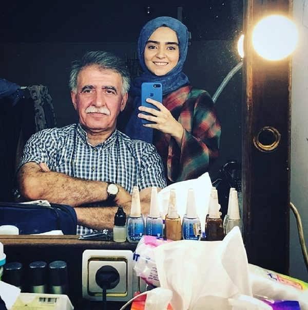 عکس مهتاب اکبری و همایون اسعدیان در لحظه ی گرگ و میش