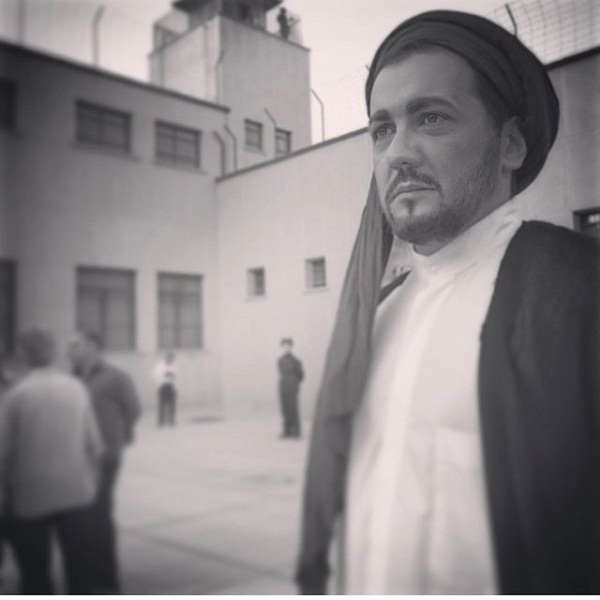 حسام نواب صفوی در نقش روحانی