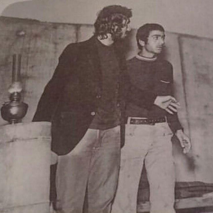 عکس پرویز پرستویی سال ۱۳۵۳ عکس از نمایشنامه ای بنام دکه - محل اجراء کاخ جوانان شوش