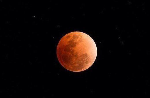 ماه گرفتگی امشب و ابرماه امشب