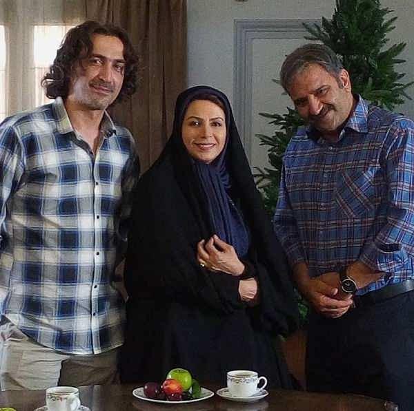 نسرین نکیسا در کنار علی استادی و هادی حجازی فر