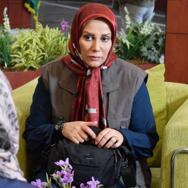 شیوا خسرو مهر بازیگر نقش سیمین در سریال خاک گرم