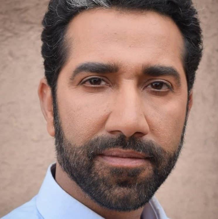علی محمد رادمنش بازیگر نقش امیر در خاک سرخ