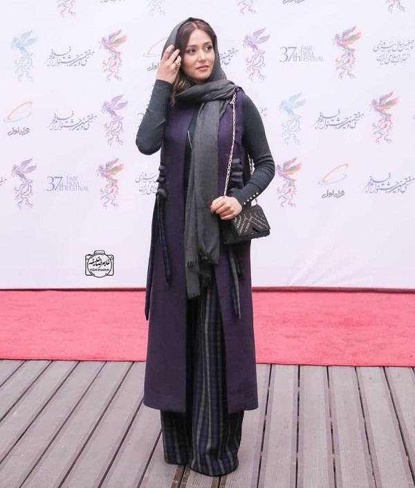 عکسهای جشنواره فیلم فجر ۹۷ - نخ کش بودن شال پریناز ایزدیار