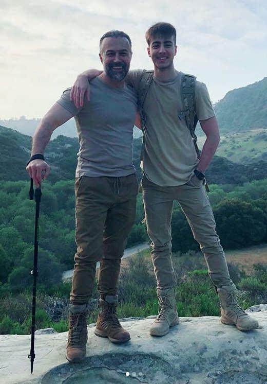 عکس دانیال حکیمی و پسرش دانا حکیمی۵