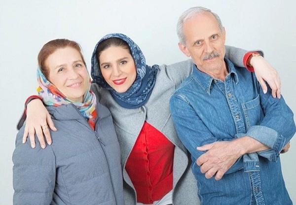 عکس سحر دولتشاهی همسر دوم رامبد جوان در کنار پدر و مادرش