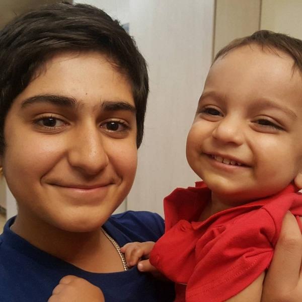 عکس علی و صدرا شکیبا فرزندان شهرام شکیبا