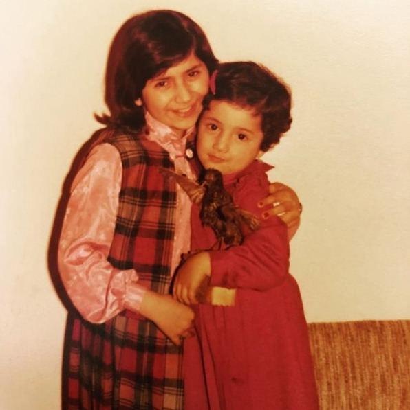 قلی خانی و خواهرش در کودکی