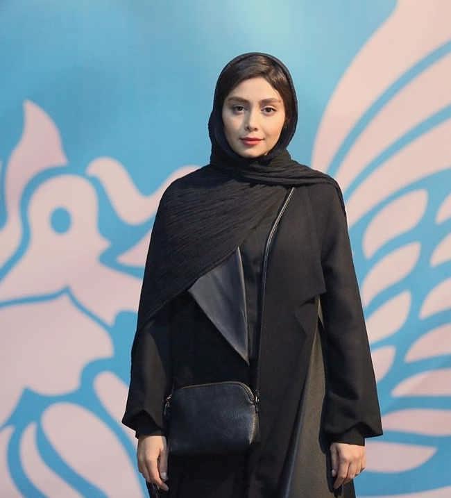 مدل مانتو بازیگران در جشنواره فجر ۹۷ - دیبا زاهد