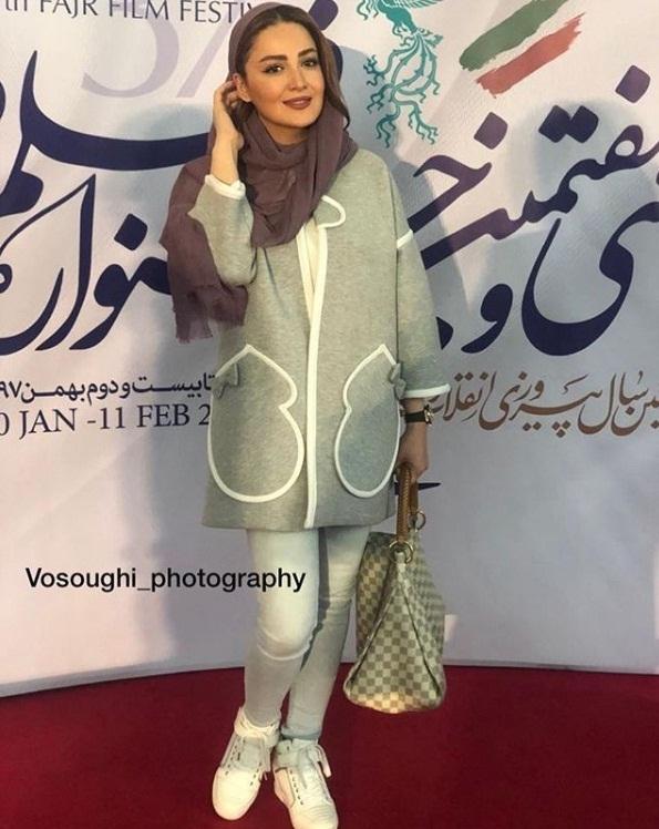 مدل مانتو بازیگران در جشنواره فجر ۹۷ - شیلا خداداد۲