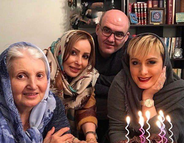 پرستو صالحی به همراه مادر برادر و همسرش
