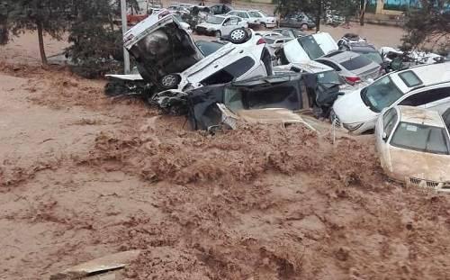 برخورد خودروها در سیل امروز شیراز