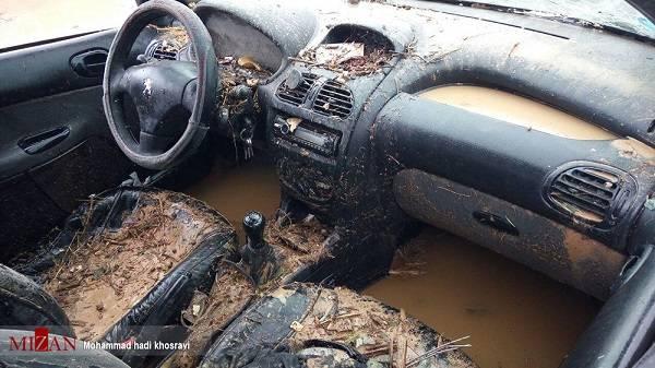 تصاویر خسارت به خودروها در سیل شیراز