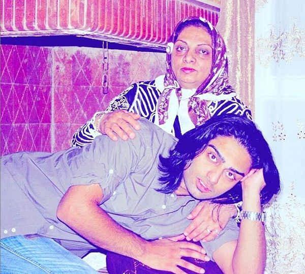 عکس ایمان قیاسی و مادرش