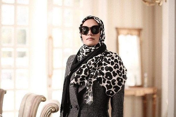 عکس بازیگران سریال بر سر دوراهی،میترا حجار